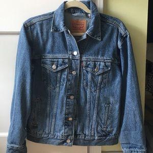 Levi's Boyfriend Fit Trucker Jacket